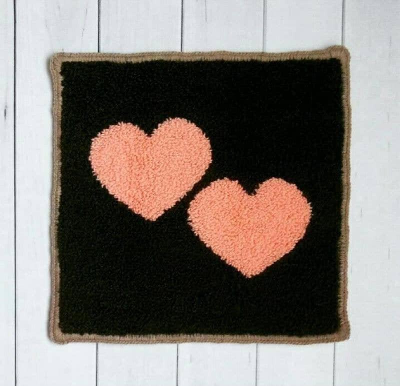 cadeaux saint valentin chat tapis coeur