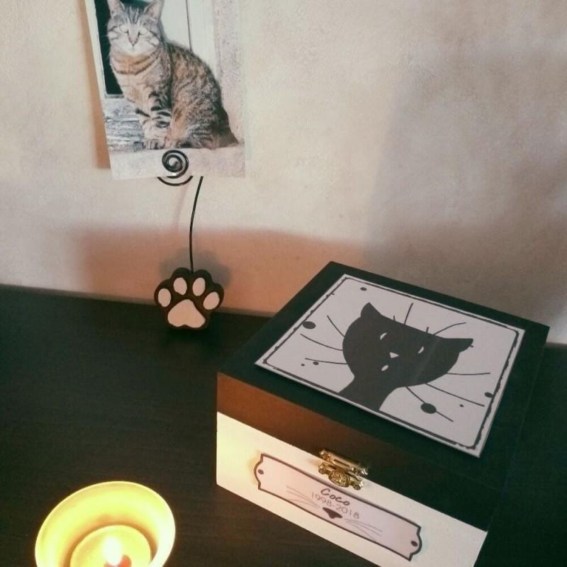 urne-funeraire-pour-chat-en-bois