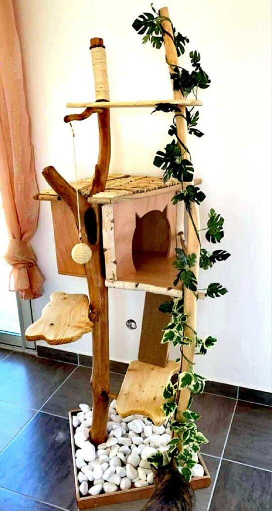 Arbre à chat ( grand modèle) de chez WoodFeverCreations
