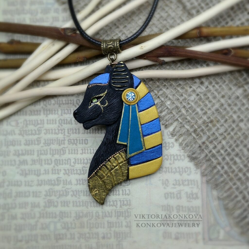 Pendentif égyptien avec chat noir Bastet